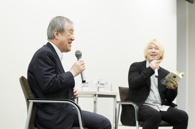 写真左:出口治明(ライフネット生命保険 会長)、右:津田大介さん(ジャーナリスト)