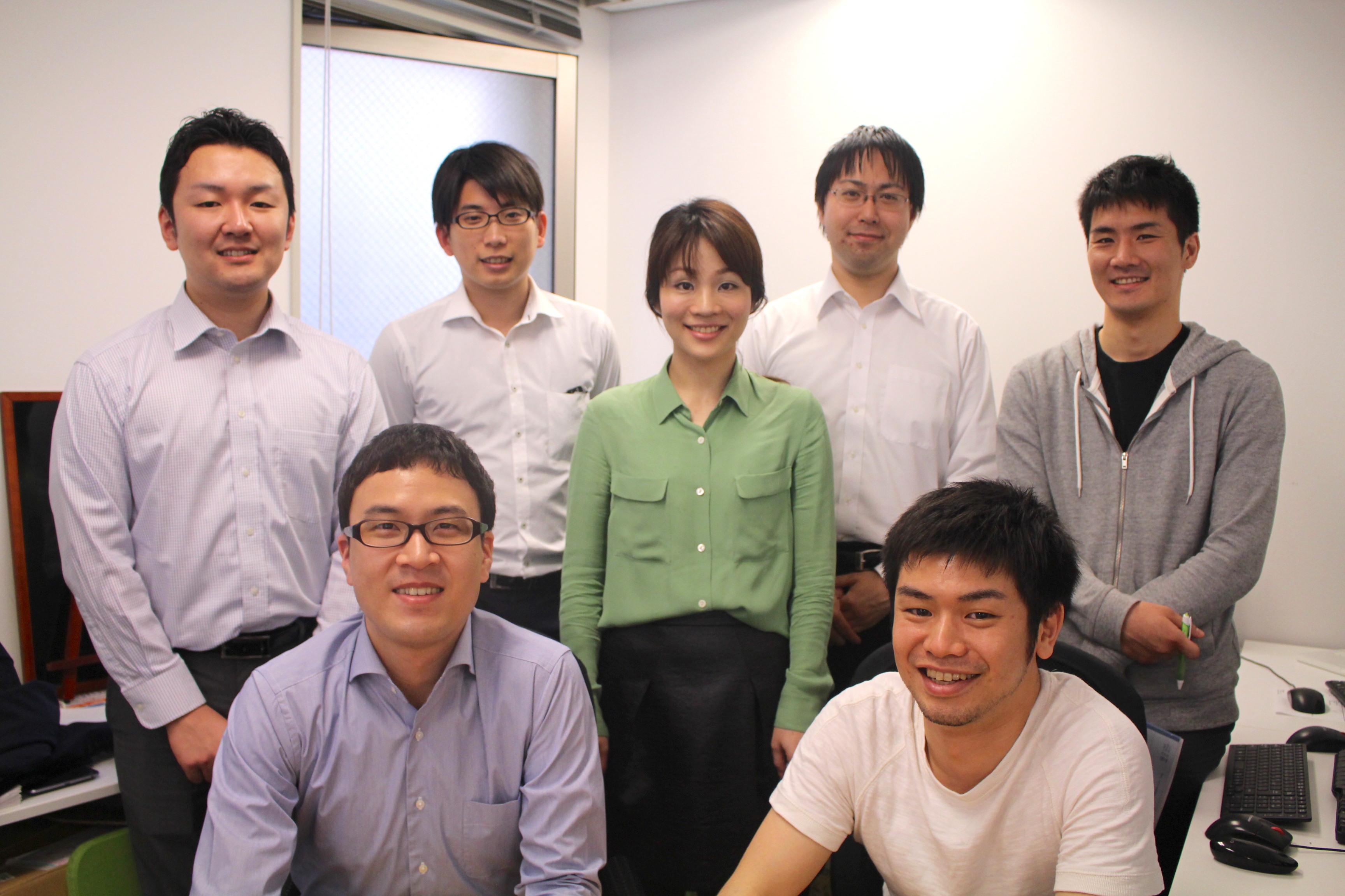 スマートフォンサイトのリニューアルにかかわった7人の新卒入社組
