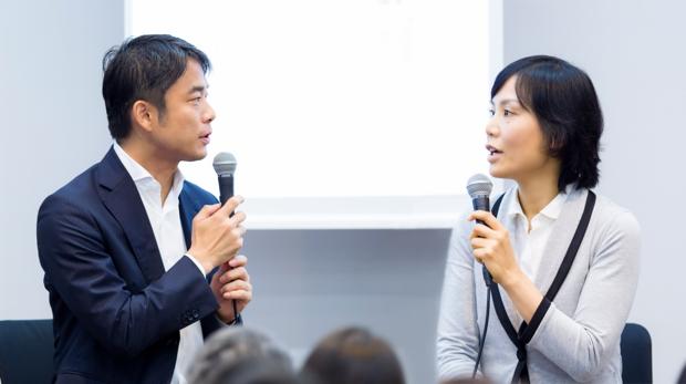 写真左:岩瀬大輔(ライフネット生命保険 社長)、右:小林りんさん(インターナショナルスクール・オブ・アジア軽井沢(ISAK)代表理事)