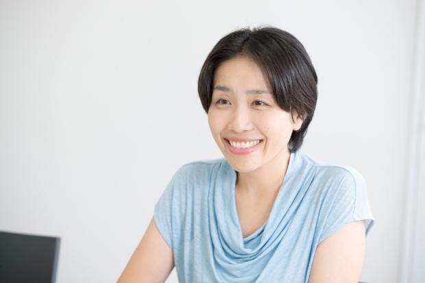 ライフネット生命 事務企画部 部長・片田薫。6歳になる女の子がいる。ライフネット生命で初めて育休を取得