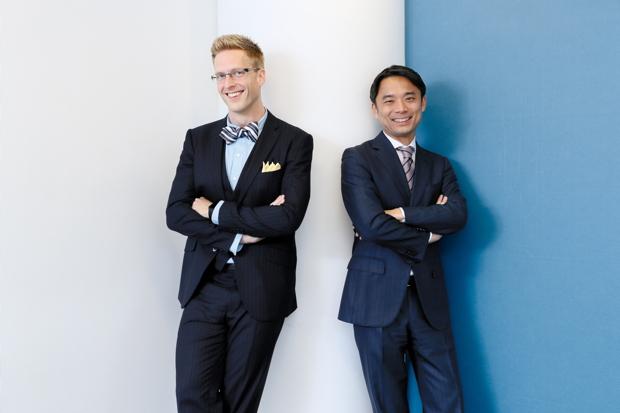 写真左:厚切りジェイソンさん(IT企業役員、お笑い芸人)、右:岩瀬大輔(ライフネット生命保険 社長)